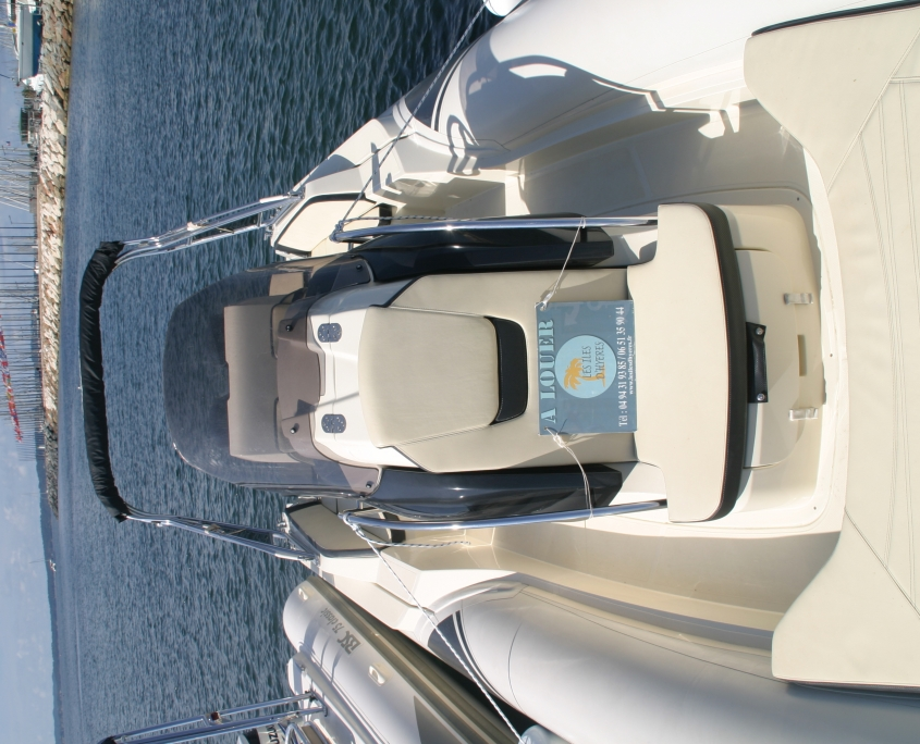 rigid inflatable boat for rent Sacs 900 Sport