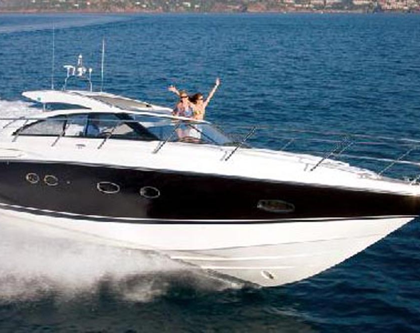 Cruiser boat Elan 42 ht to book at Hyères, France