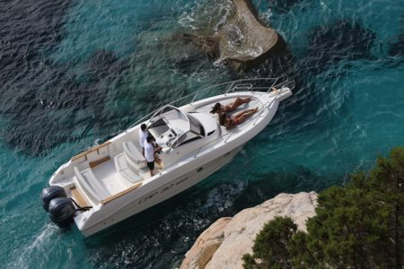 cruiser boat for rent Capelli 32 WA