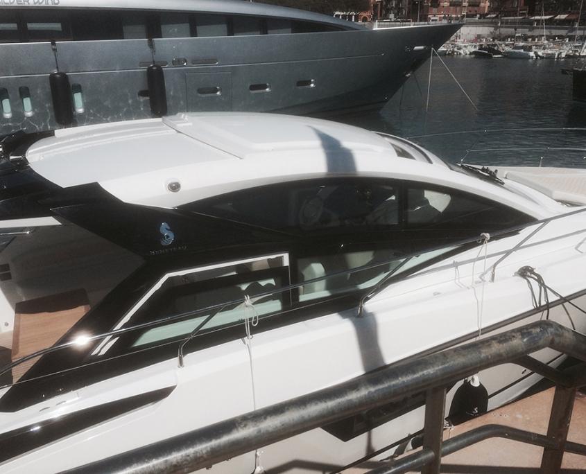 Vedette Gran Turismo 40 à louer à Hyères