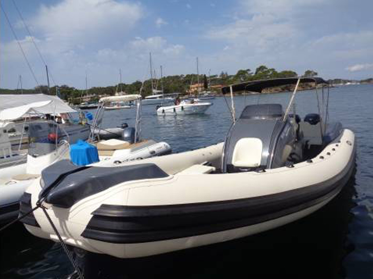 Stingher 32 GT to rent at Hyères
