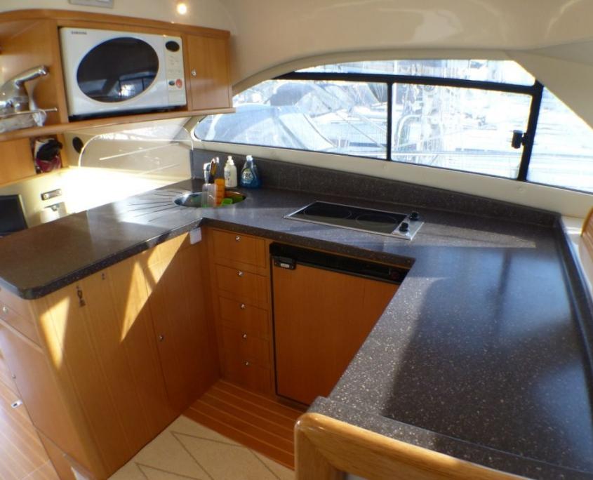 Cruiser boat Rodman 41 Fly kitchen