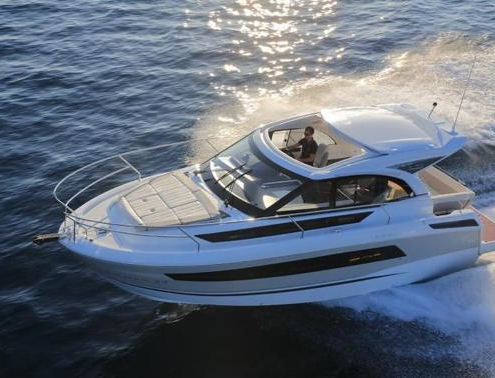 Leader 33 cruiser boat to rent at Hyères (France)