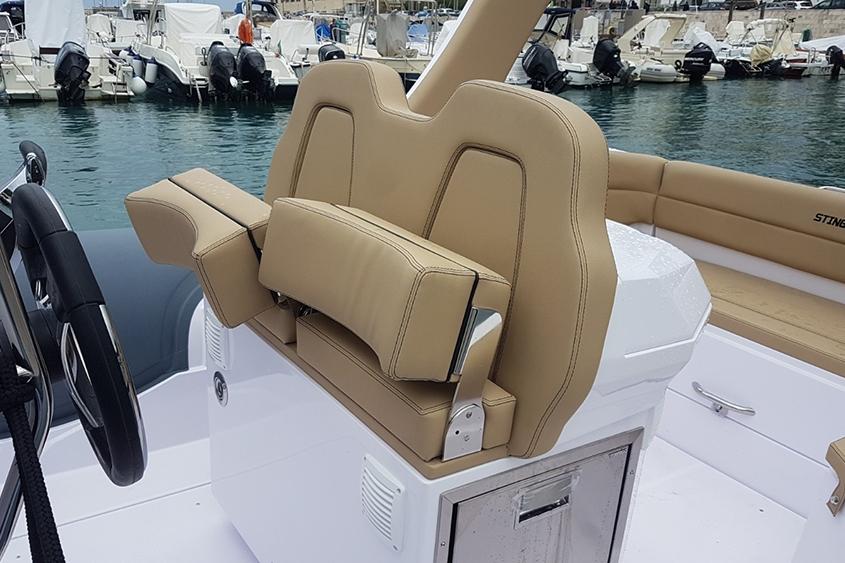 semi rigide Stingher 28 gt sièges