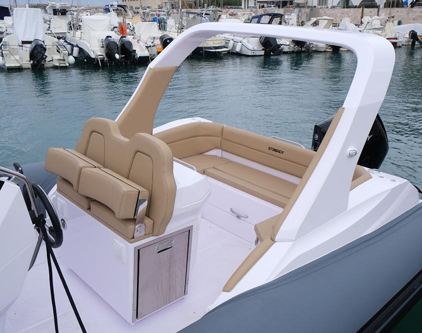 semi rigide Stingher 28 GT arrière
