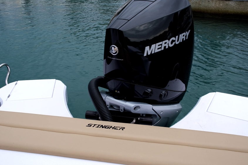 semi rigide Stingher 28 gt moteur Mercury