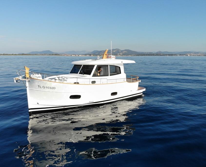 Vedette Menorquin 34 diesel 2x225 CV sur les flots