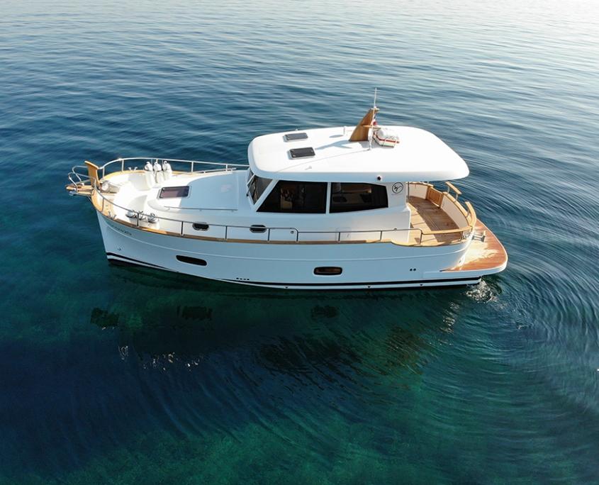 Cruiser boat Menorquin 34